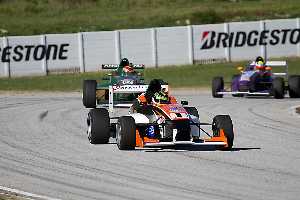Scribante proves a tough day of racing for single seater field