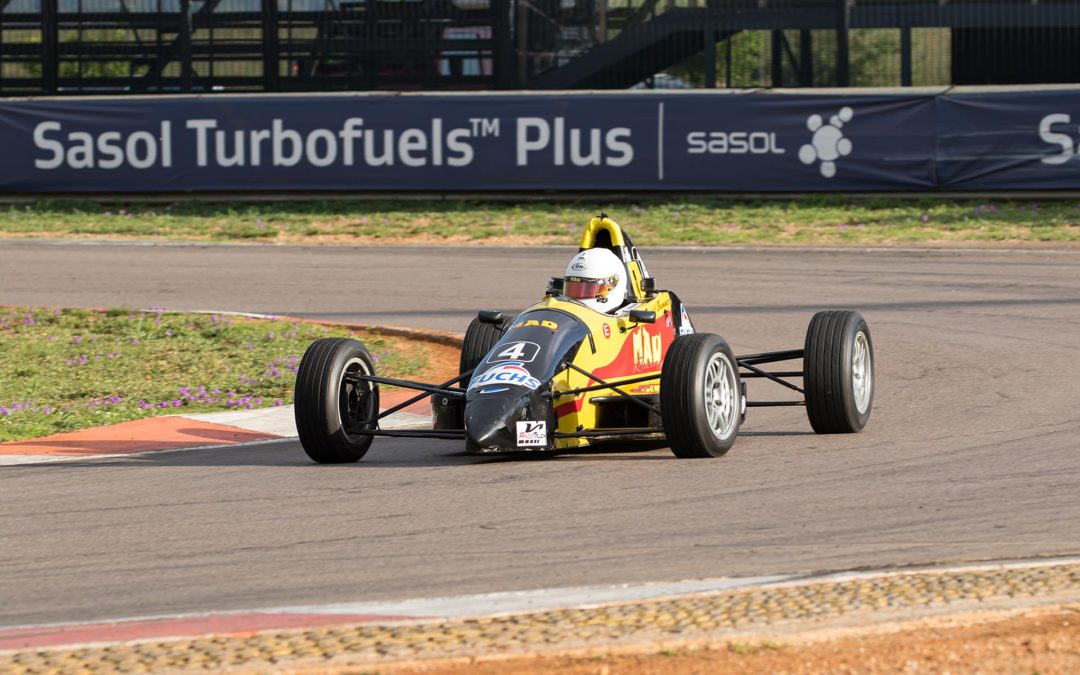 Brummer wins at final round of the Investchem Formula Ford championship